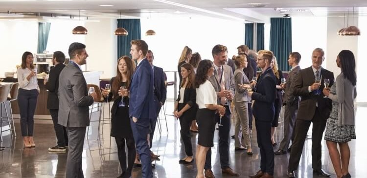 Five Tips for Growing Your Business Network While on the Road | Booking.com for Business